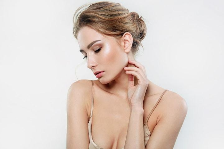 Medisinsk injeksjon i ett, to eller tre valgfrie områder hos MK Beauty
