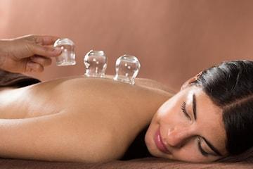 Aromaterapimassasje og kopping hos Helhetsklinikken Haukland
