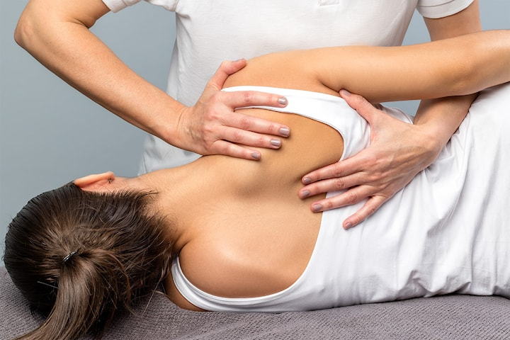 Ett eller to klipp på massasje, osteopati eller rehabiliterings trening hos Sportsklinikken ved Hasle