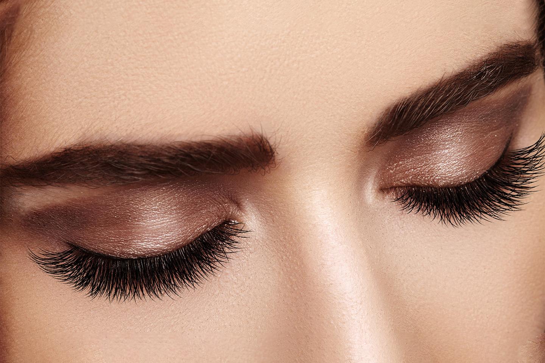 Vippe-extension med eller uten påfyll hos Makeup by Uzma (1 av 4)