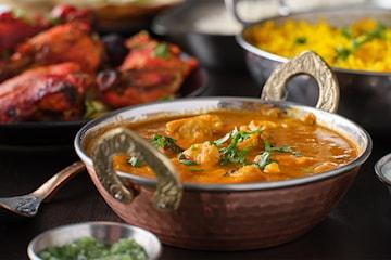 Valgfri kylling hovedrett inkludert nan hos Madras Cafè