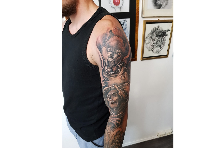 Tatovering hos Tattoo Studio Kunst hos dyktige Andrejs Baranovs