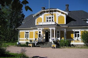 Sommarpaket för 2 i Dalarna: 3-rätters och ridtur