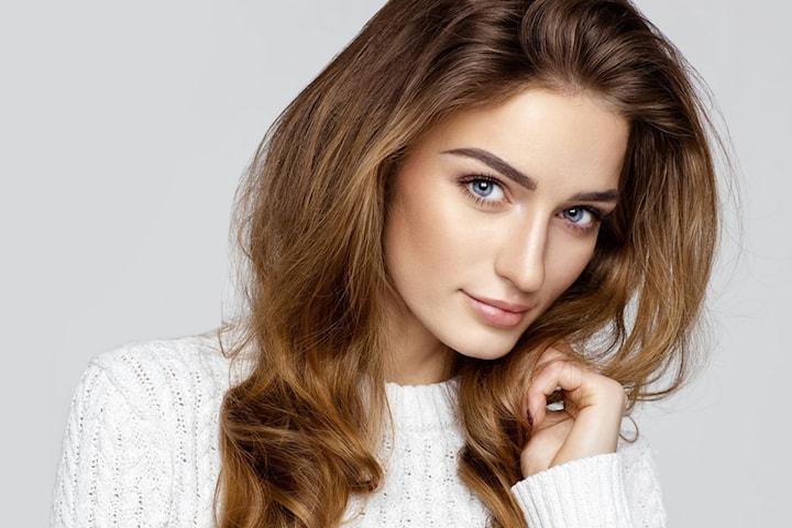 Kosmetisk ögonbrynstatuering