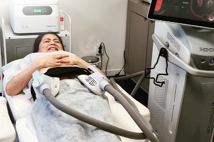 EM Powerslim 1 behandling hos Clinic Skinz, Kungsbacka
