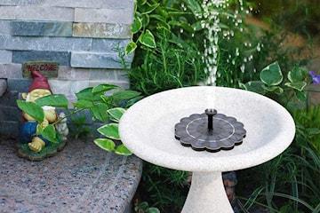Solcellsdriven fontän