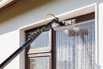 Vindusvask og rens av takrenner til våren gjennomført av Bergen Vaktmester As