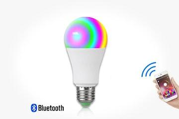 Smart Bluetooth-lyspære som spiller musikk og lyser i farger