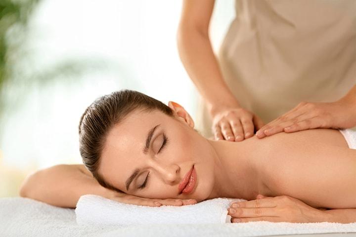 Nyt en 60/90 minutters massasje hos Beauty Progress på Frogner