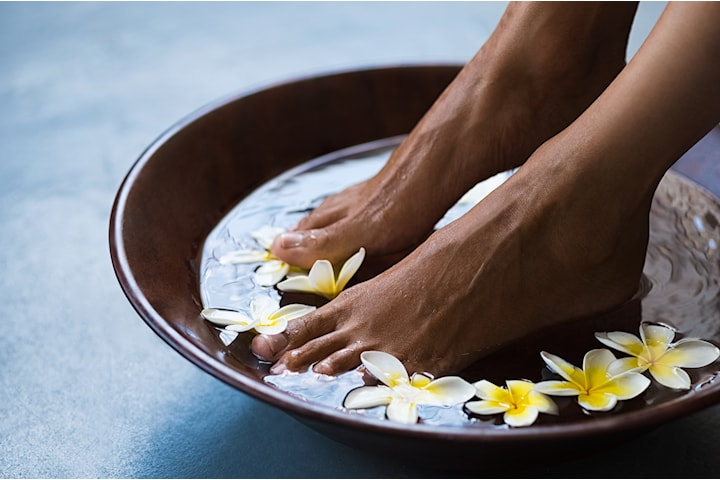 Fotpleie eller spa manikyr hos Beauty & Madness Wellness Salon