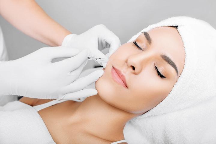 Behandling med botulinumtoxin hos Beauty By I vid Avenyn