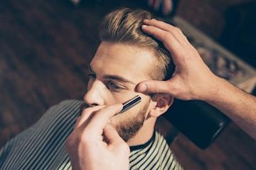 Klippning och rakning hos Classico barbershop