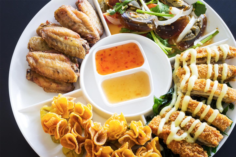 Cateringbuffé för 10 personer från Thai Thai (1 av 1)