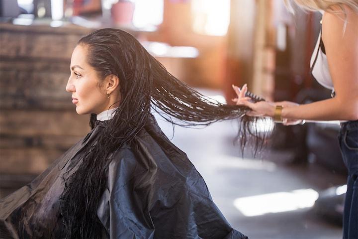 Keratinbehandling av lang og kort hår