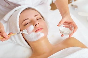 Ansiktsbehandling inkl. ryggmassage, 45 min